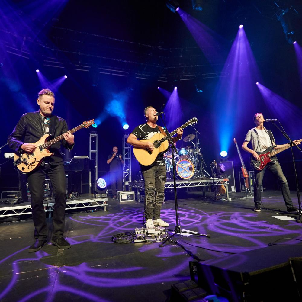 Barenaked Ladies, Gin Blossoms & Toad The Wet Sprocket at McMenamin's Edgefield Concerts